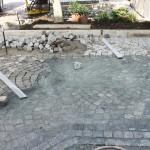 Eingerütteltes Granitpflaster für eine Einfahrt und Parkplatz