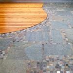 Gneisplatten mit Mosaikpflaster